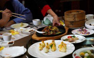 Trung Quốc chống lãng phí thực phẩm, các nhà hàng kêu gọi thực khách ăn ít hơn