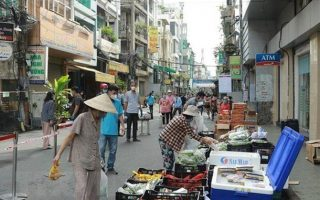 Hơn 3.000 điểm bán hàng bình ổn, 388 điểm bán lưu động tại Tp Hồ Chí Minh