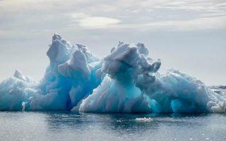 Những điều đáng kinh ngạc ẩn dưới sông băng 'vĩnh cửu' Greenland