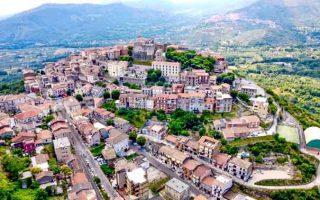 Những ngôi nhà cạnh Rome ở Ý được bán với giá 1 euro