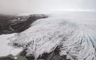 'Sự kiện tan chảy hàng loạt' tấn công Greenland sau đợt nắng nóng kỷ lục