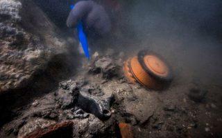 Tìm thấy 'kho báu' 2000 năm tuổi dưới nước bên trong thành phố cổ đại
