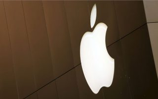 Apple trì hoãn ra mắt các tính năng an toàn cho trẻ em gây tranh cãi