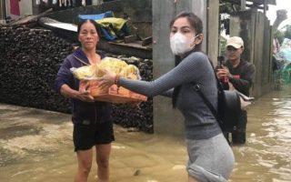 Thủy Tiên và nhiều sao Việt tuyên bố dừng làm từ thiện