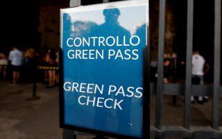 Ý thông qua kế hoạch chứng chỉ Covid 'Green Pass' bắt buộc với tất cả lao động